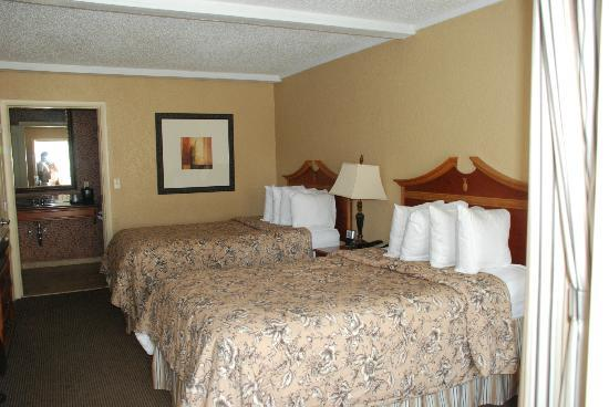 BEST WESTERN PLUS Savannah Historic District: Average room