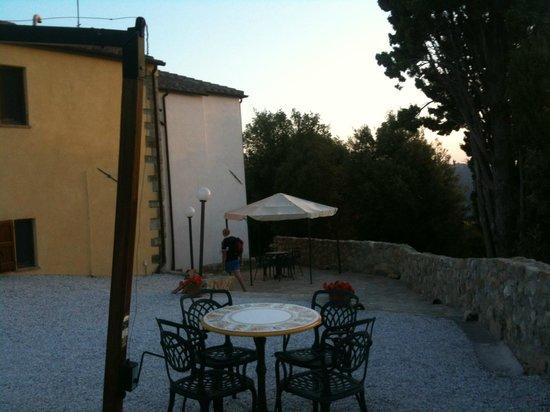 giardino/ingresso appartamenti Borgo della Speranza