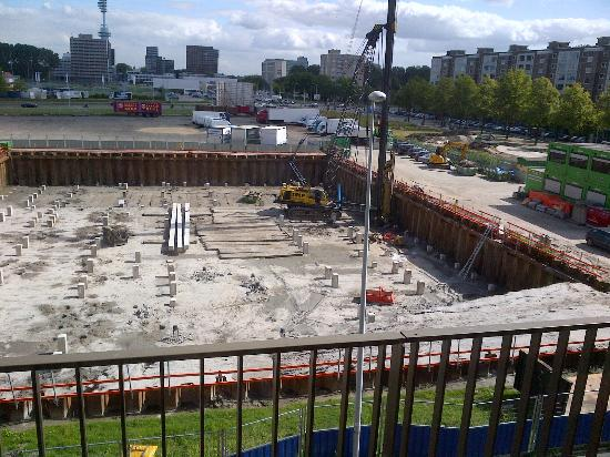 Crowne Plaza Amsterdam South: Construction on the East side