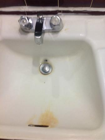 Kings Inn: sink
