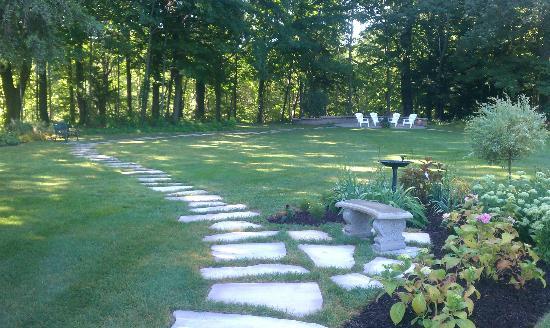 HawksHead Restaurant : Front Garden