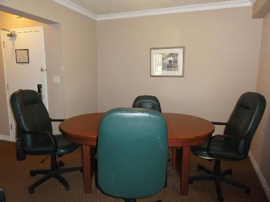 Capital Hill Hotel & Suites: 1