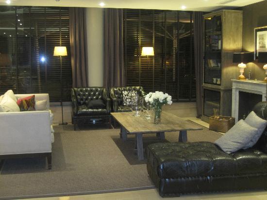 Hotel Acta City47: The Lobby