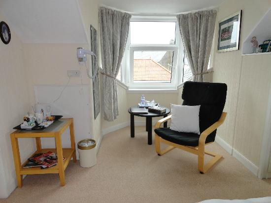 Kerr Cottage: Bedroom picture 1
