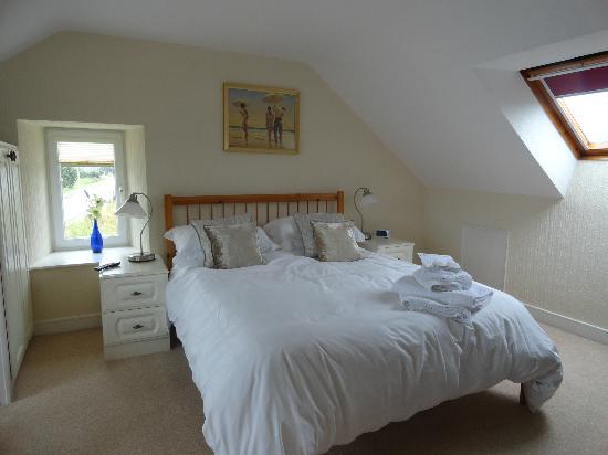Kerr Cottage: Bedroom picture 2