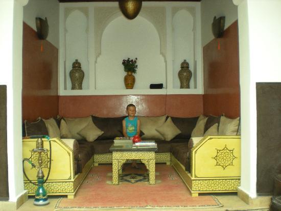 Riad Charme d'Orient : Petit salon