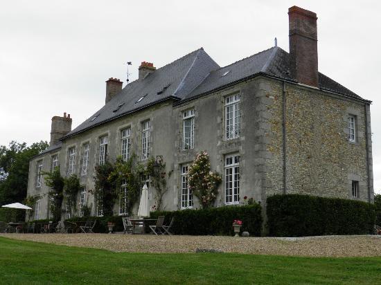 Chateau de Sarceaux : vista retro