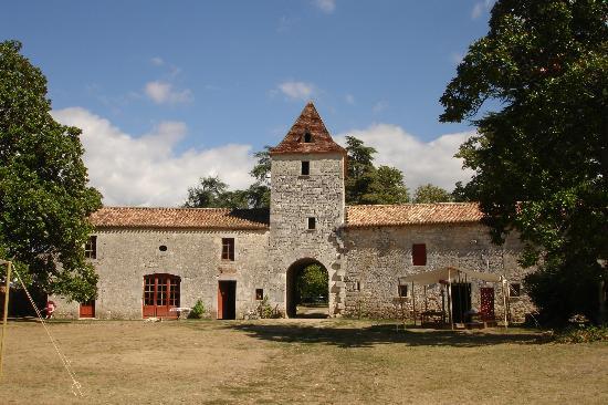 Chateau de Bridoire: Gate house