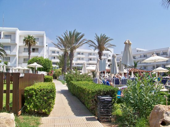 Louis Ledra Beach: Hotel from Beach