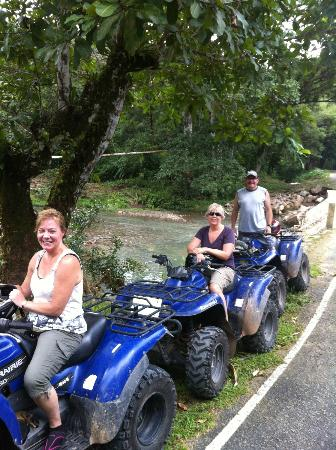 Ty's Sports Grill: ATV stop at the river