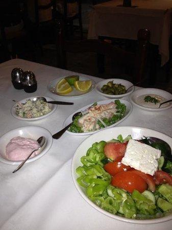 Psarolimano Fish Tavern: starters