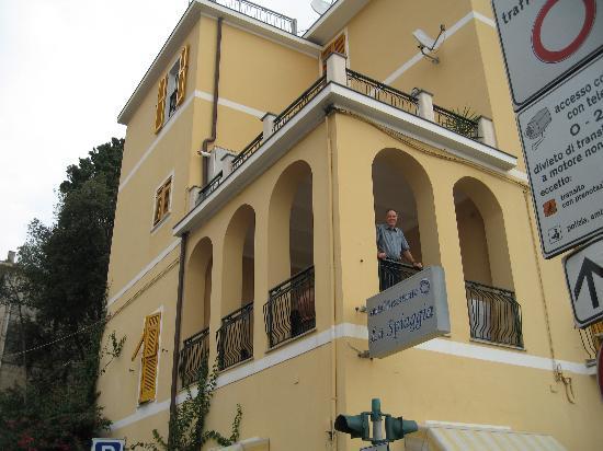 Terrace room of Hotel La Spiaggia, Monterosso