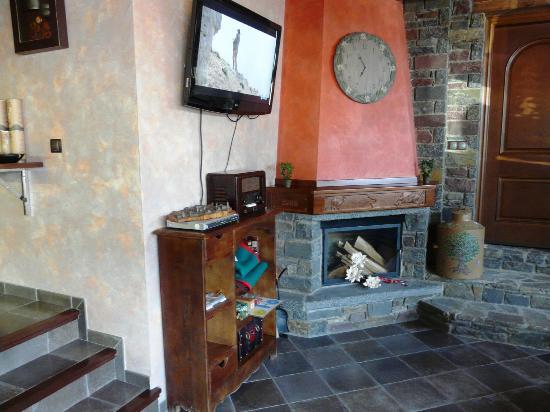 Hotel Flor de Neu: Sala de estar
