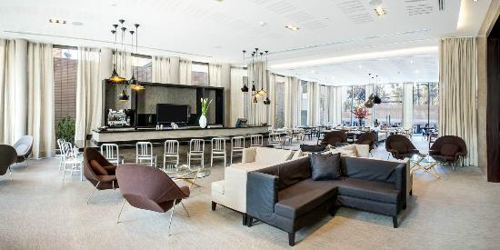Atton Vitacura: Bar Restaurant Citadino