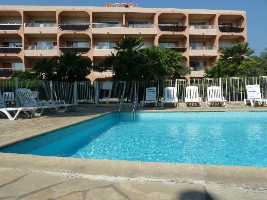 ResidHotel Eden Paradise: Pool area