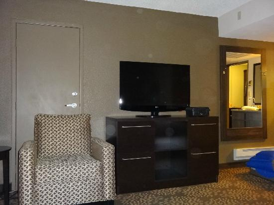 Holiday Inn & Suites Phoenix Airport North: TV