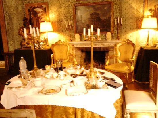 Residenza Napoleone III: Breakfast in the Napoleone Suite