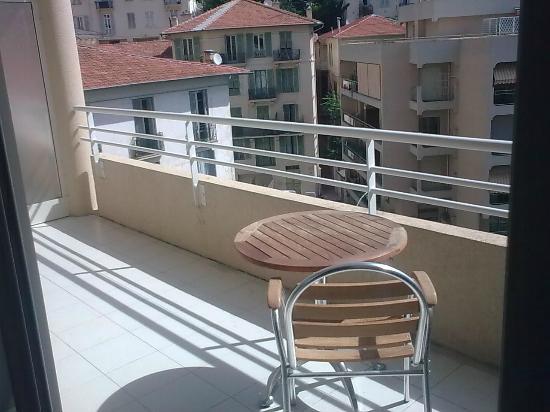 Appart'hôtel Odalys Les Jardins d'Elisa: Balcony & view