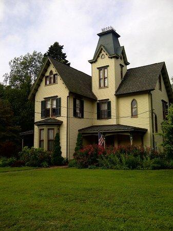 John Stam House : View of Hill's Inn
