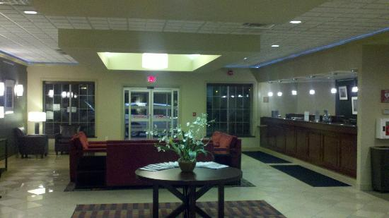 Four Points by Sheraton Kalamazoo: Lobby