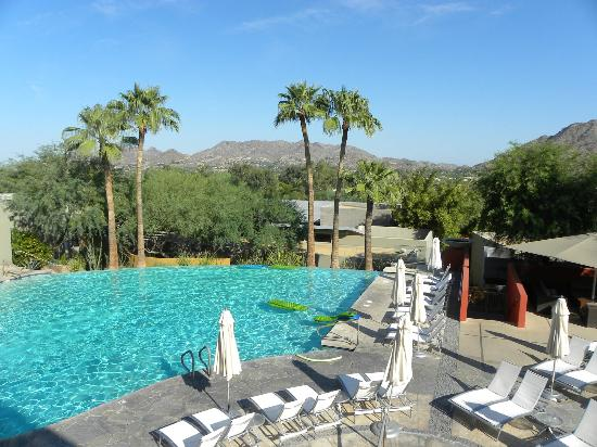 Sanctuary Camelback Mountain: Infinity Pool