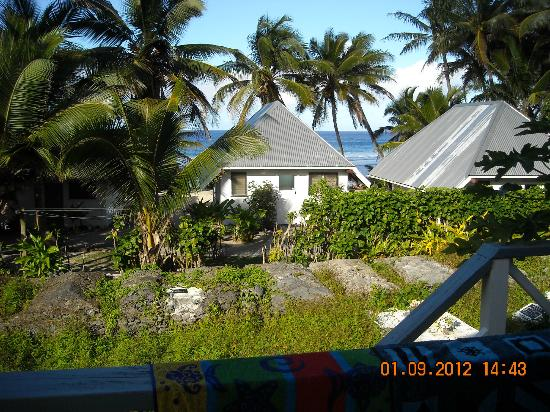 Sunrise Beach Bungalows: The view to the beach