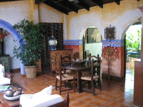 Hotel Casa Naranja: Breakfast table