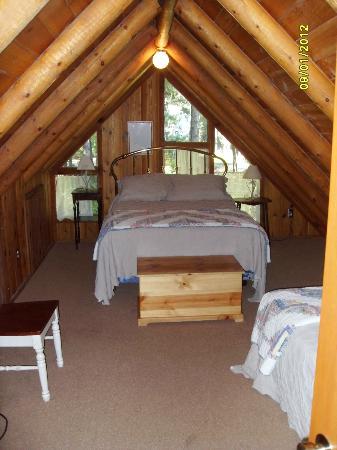 Natapoc Lodging: Upstairs bedroom