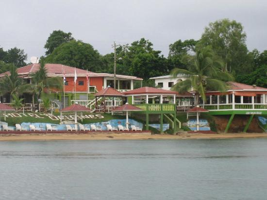 Hotel Los Delfines: Hotel view from water