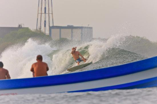 Surf Tours Nicaragua: Love the long lefts