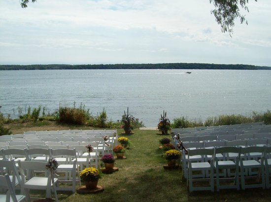 Heidel House Resort & Spa:                   Outdoor wedding site