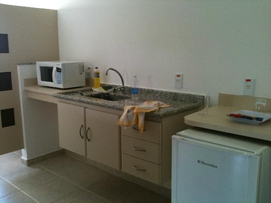 Mondrian Suite Hotel: cozinha ap 138