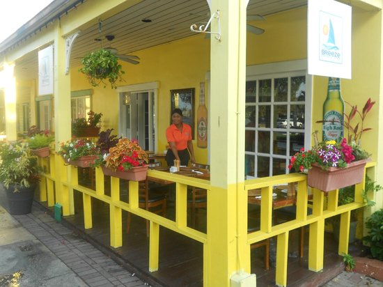 Cafe Breeze: Outdoor patio
