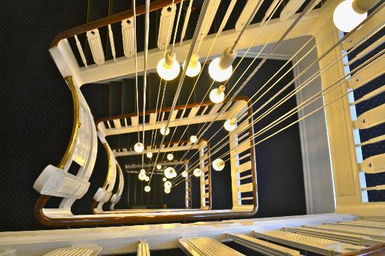 Savoy Hotel: dramatic stairwell