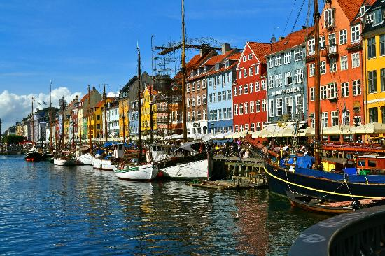 Nyhavn: painterly shades