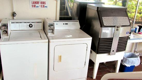 Arvilla Resort Motel Treasure Island: Washer/dryer, ice machine
