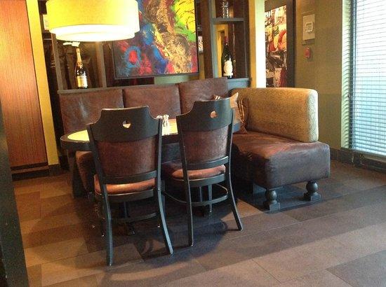 Matto Sainte-Foy: Inside seating