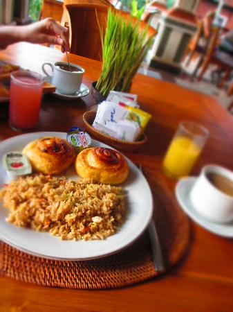 Sri Phala Resort & Villa: breakfast!