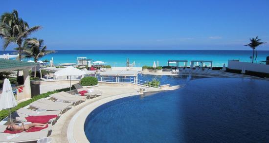 Sandos Cancun Lifestyle Resort Hotel Pools And Beach