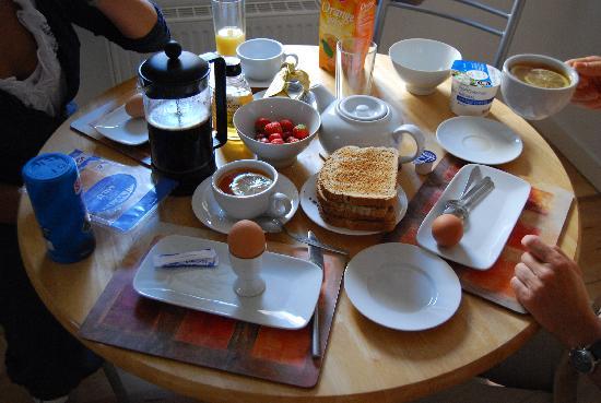 St Giles Apartments: Наш завтрак