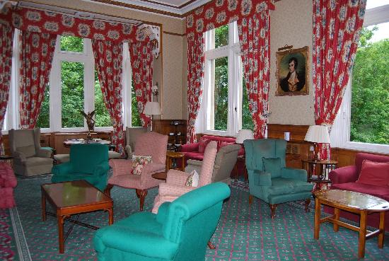 Tillmouth Park Country House Hotel: Холл