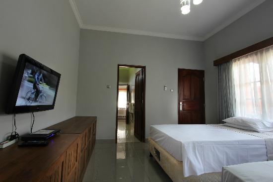 Bon Nyuh Bungalows lounge room set up as second bedroom