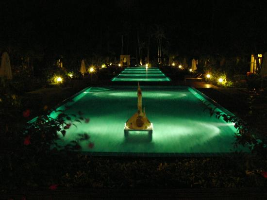The Passage Samui Villas & Resort: View from Reception at night