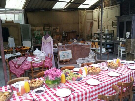 La Capucine -  Giverny: adorável cafe da manhã