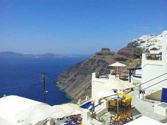 Santorini View:                   Вид с балкона нашего номера
