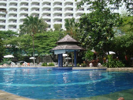 Cosy Beach Hotel: Havuz 