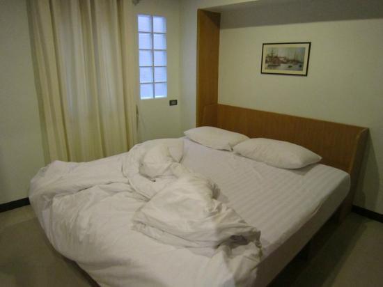 Ratchadamnoen Residence: apartment