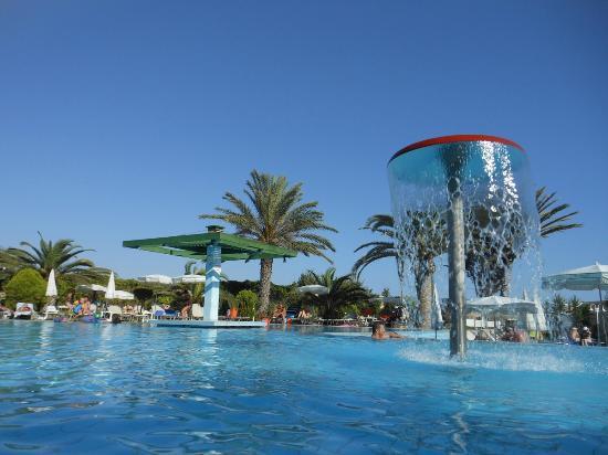 Aloe Hotel: Pool area was great.