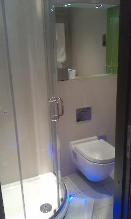 Seraphine London Kensington Gardens: En-suite bathroom