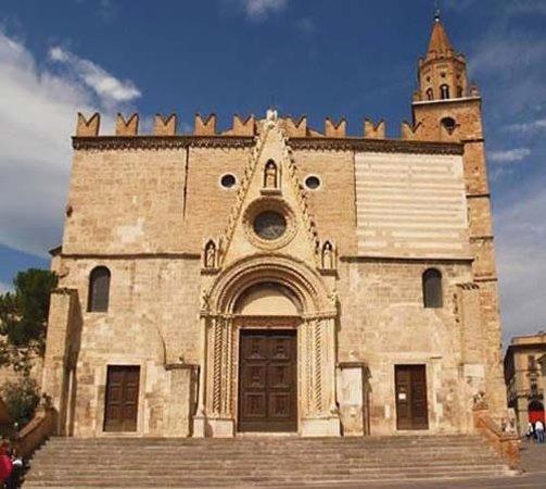 Duomo Santa Maria Assunta e San Berardo: duomo teramo